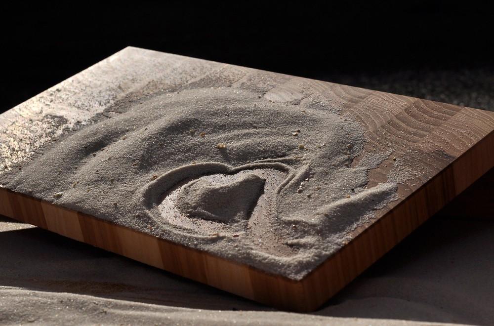 Schneidebrett Ulmenholz, mit Sand
