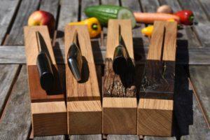 Messerhalter aus Eiche, Griffablage aus Fachwerk, Rotweindauben, braunkernige Eiche oder Pflaumenholz